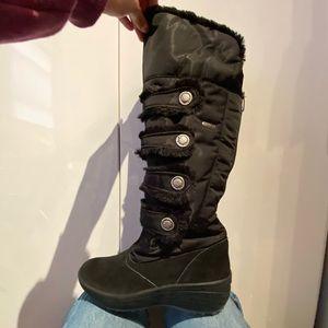 Black Pajar boots, zip up, faux fur lined